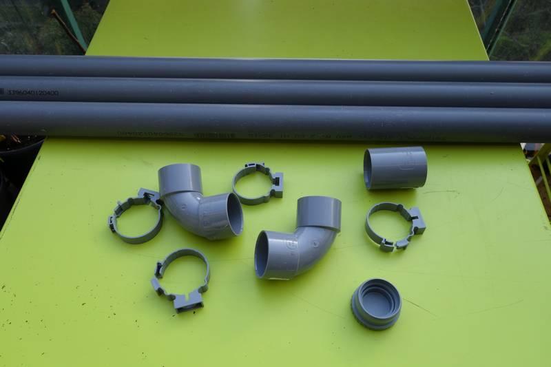 Tubes en PVC, coudes et matériel de fixation